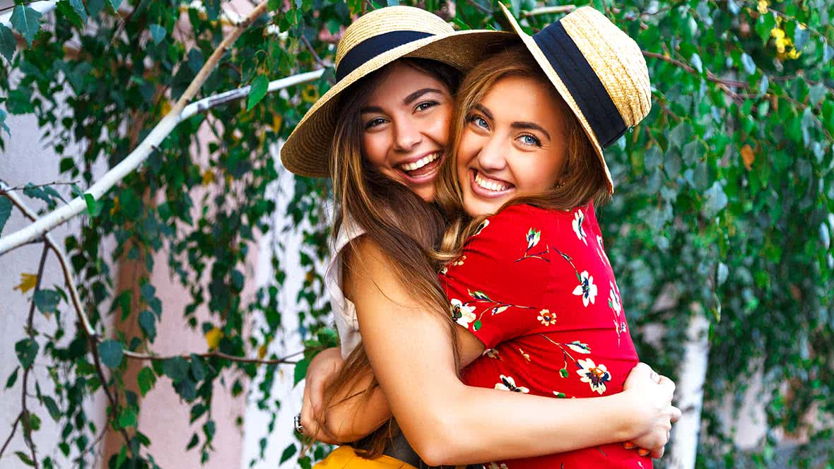 How To Be A Better Friend: 10 Simple Ways